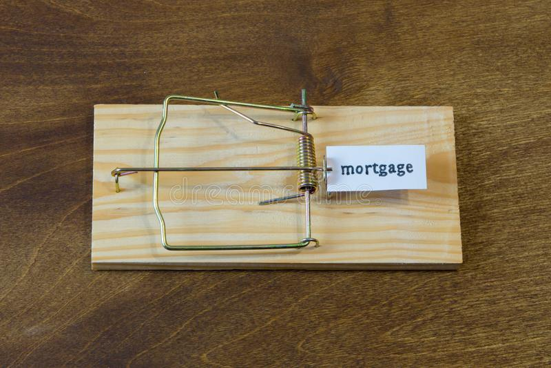 mousetrap Fall inte för betet Alltid funderare om följderna fotografering för bildbyråer