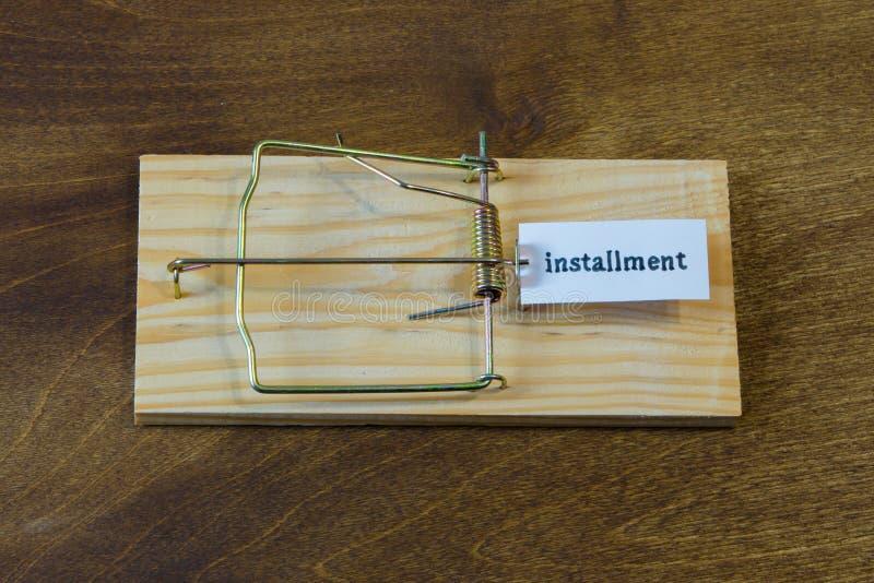 mousetrap Fall inte för betet Alltid funderare om följderna arkivbild