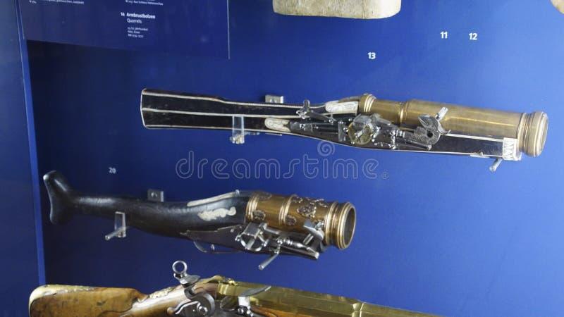 Mousquets et pistolets antiques photographie stock