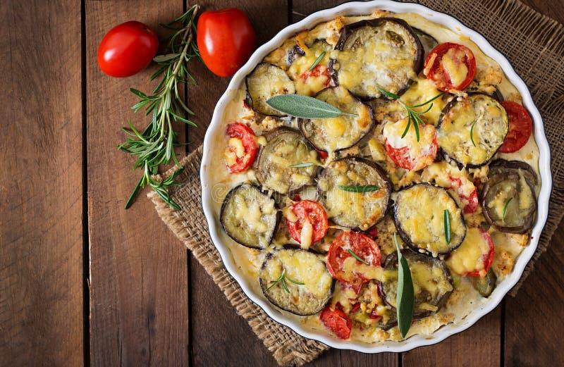 Moussaka - en traditionell grekisk maträtt royaltyfria foton