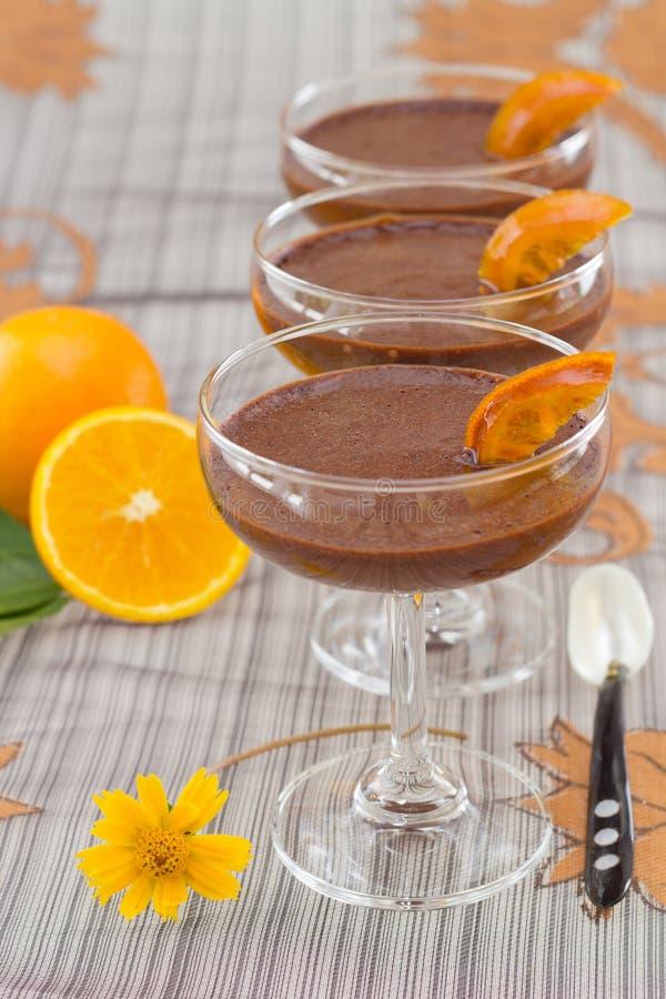 Mousse de chocolat avec l'orange photos libres de droits