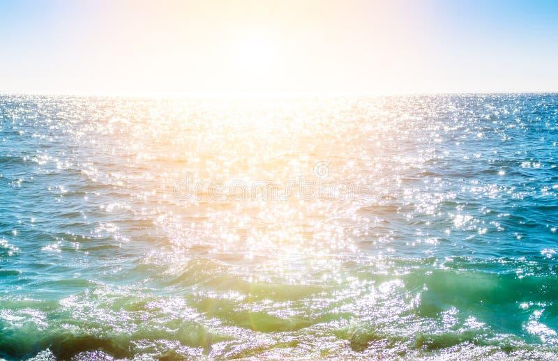 Moussera skvalpad vattenyttersida royaltyfria foton