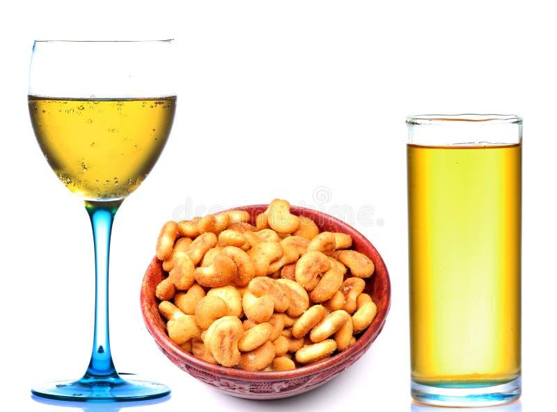 mousserande rimmat för cashewnutsdrinkar royaltyfri bild