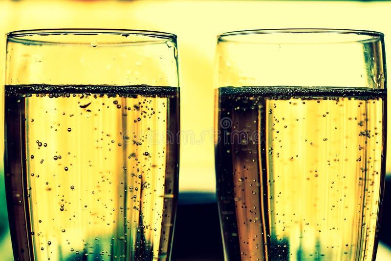 Mousserende wijn in glazen royalty-vrije stock afbeelding