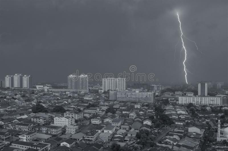 Mousson sur Petaling Jaya, Kuala Lumpur, Malaisie photo stock