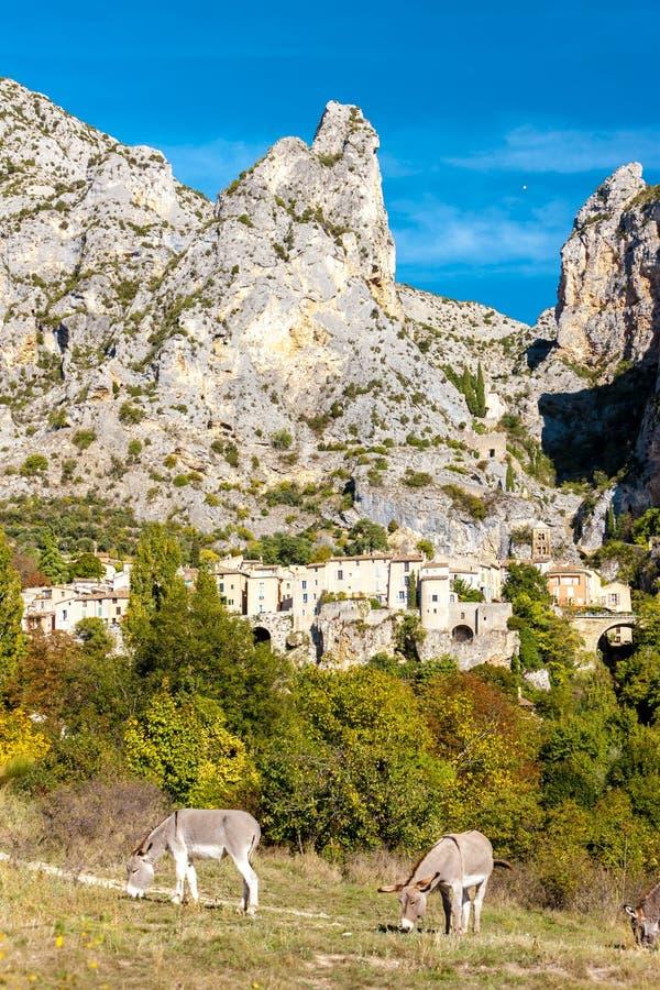 Moustiers Sainte Marie, Alpes-De-Haute-Provenceabteilung, Frankreich stockfotos
