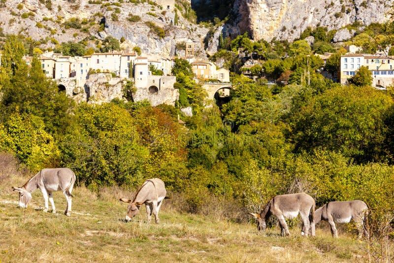 Moustiers Sainte Marie, Alpes-De-Haute-Provenceabteilung, Frankreich lizenzfreies stockfoto