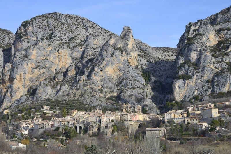 Moustiers-Sainte-Marie Provence - Frankrike arkivbilder