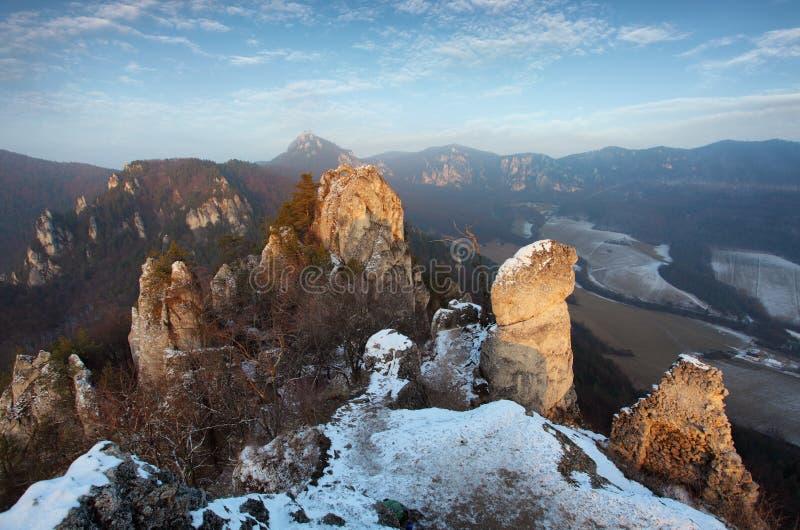 Moutain bij de de herfstwinter in Slowakije stock foto's