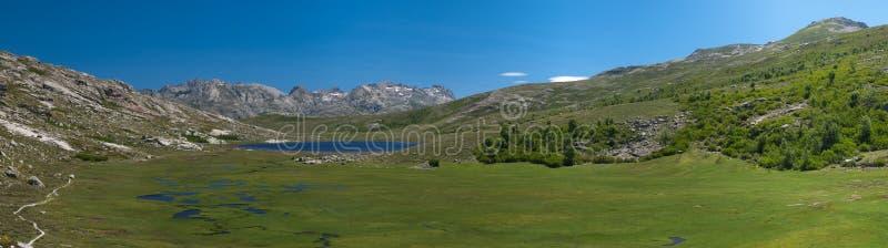 Moutain jezioro w Francja obraz stock