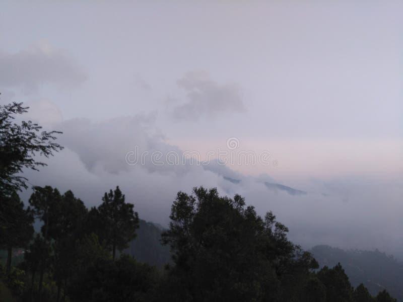Moutanis z chmurami obrazy stock