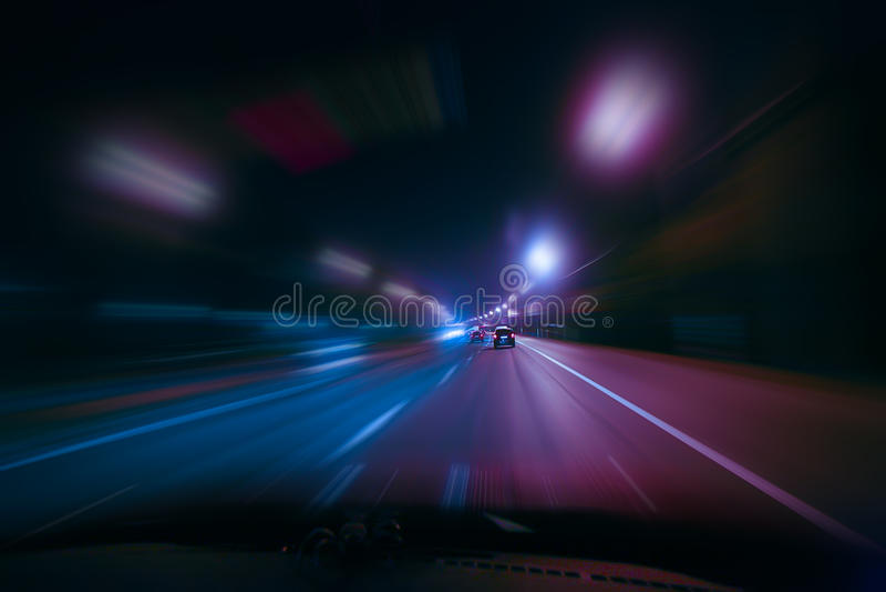 Mouvement ultra-rapide la nuit photos stock