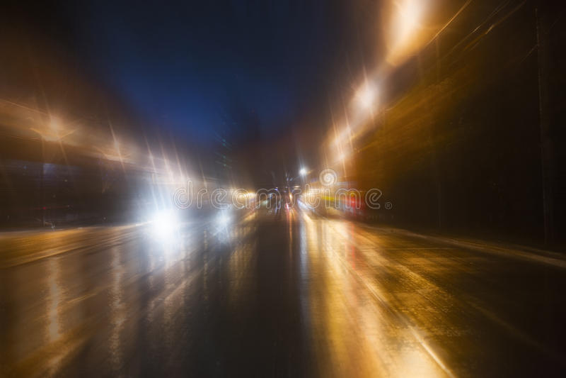 Mouvement ultra-rapide la nuit photographie stock