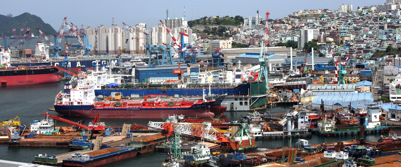 Mova, Quay na cidade Busan em Coreia do Sul imagem de stock