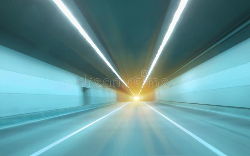 Movente rapidamente no túnel fotos de stock royalty free