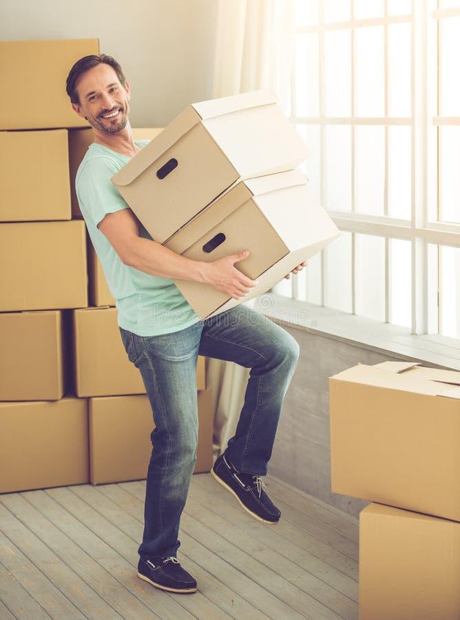 Mover-se considerável do homem fotos de stock