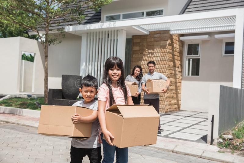 Mover-se para o conceito da casa nova fotografia de stock royalty free