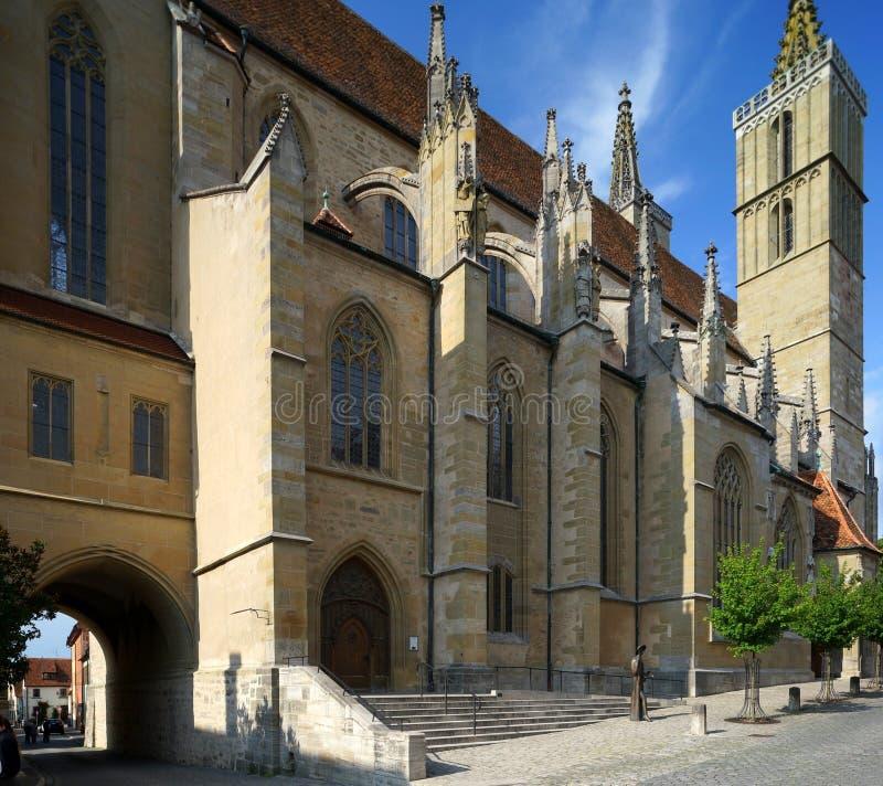 Movimentação-através da igreja em Rothenburg imagens de stock