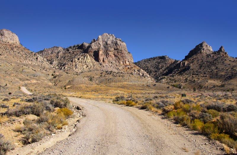 Download Movimentação da montanha imagem de stock. Imagem de grama - 16873311