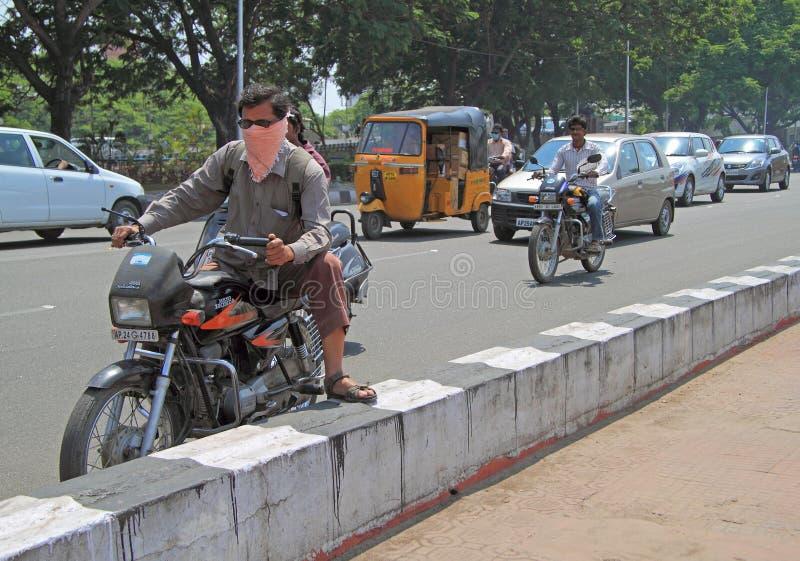 Movimento da estrada em Chennai, a Índia sul imagens de stock