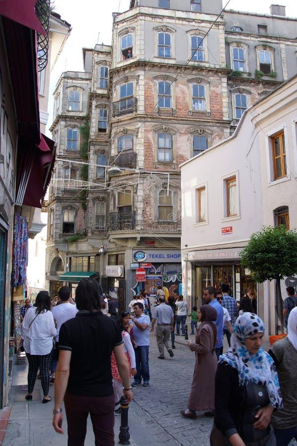 Movimento das multidões através do quadrado de Taksim fotografia de stock royalty free