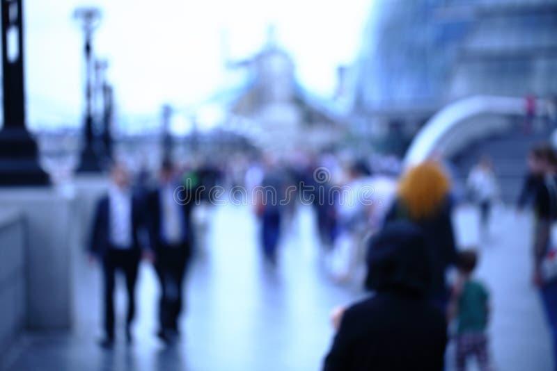 Movimento della gente nella grande città fotografia stock