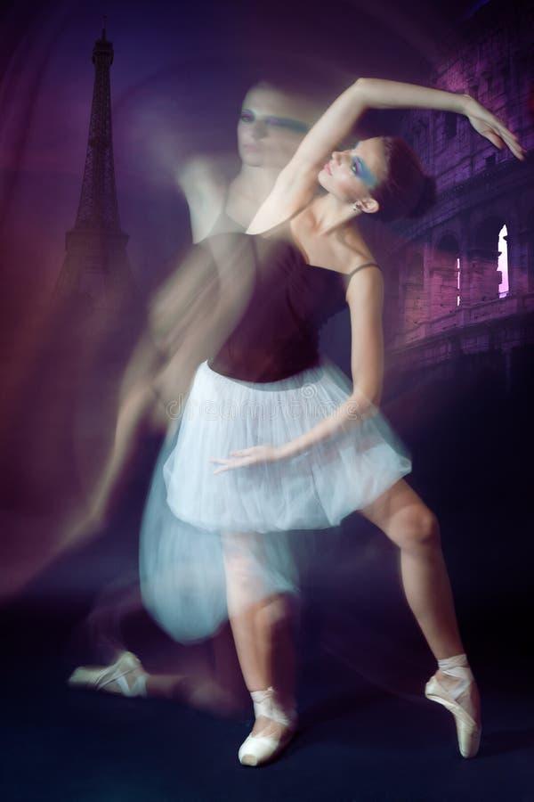 Movimiento del bailarín de ballet foto de archivo libre de regalías