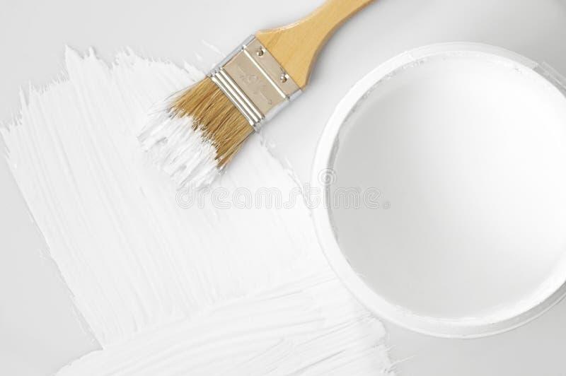Movimiento y cepillo blancos de la pintura fotografía de archivo libre de regalías