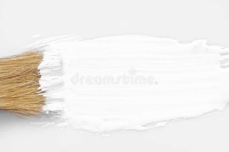 Movimiento y cepillo blancos de la pintura imágenes de archivo libres de regalías