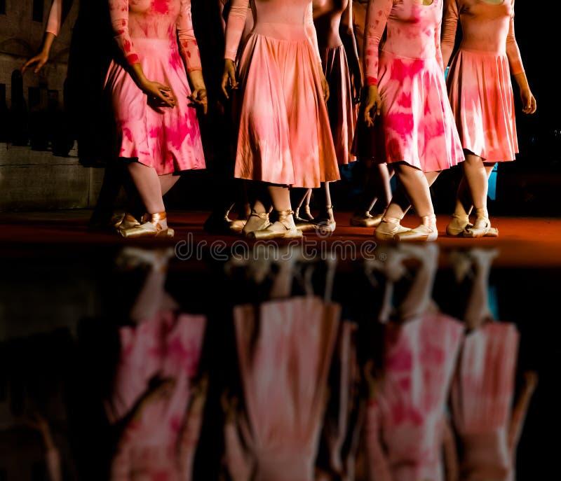 Movimientos clásicos de la danza fotos de archivo libres de regalías