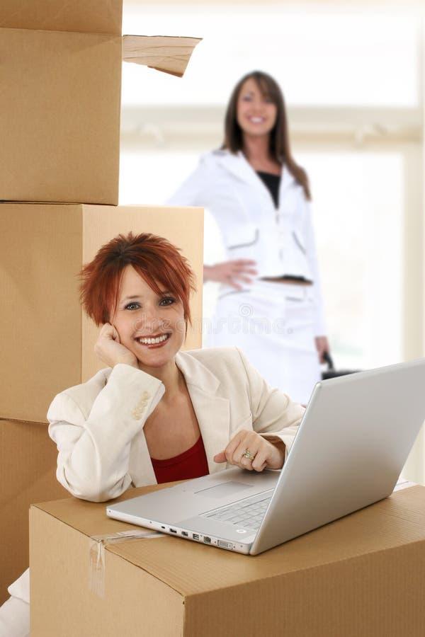 moving новый офис стоковые изображения