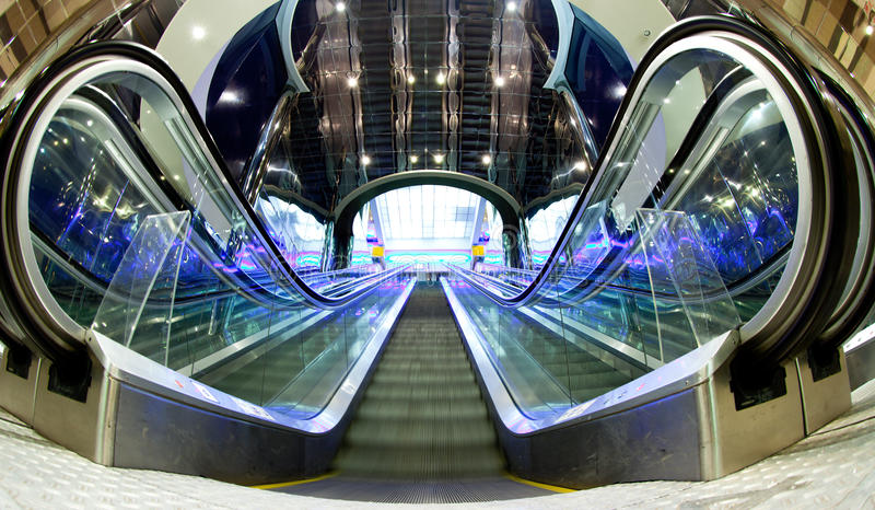Moving эскалатор стоковое фото rf