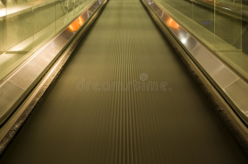 moving walkway royaltyfri bild