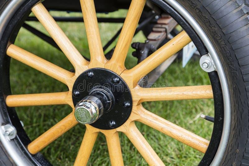 Moyeu de roue en bois de rai du lit plat 1923 de T1 de camion de Ford image stock