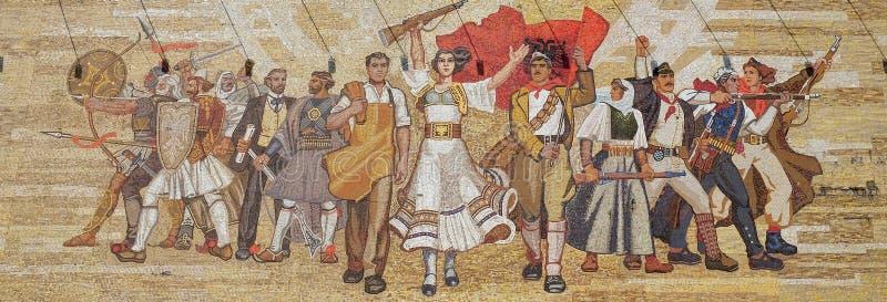 Mozaïek boven het Nationale Geschiedenismuseum die Socialistische propaganda en heldhaftige revolutionair, Tirana kenmerken royalty-vrije stock afbeelding