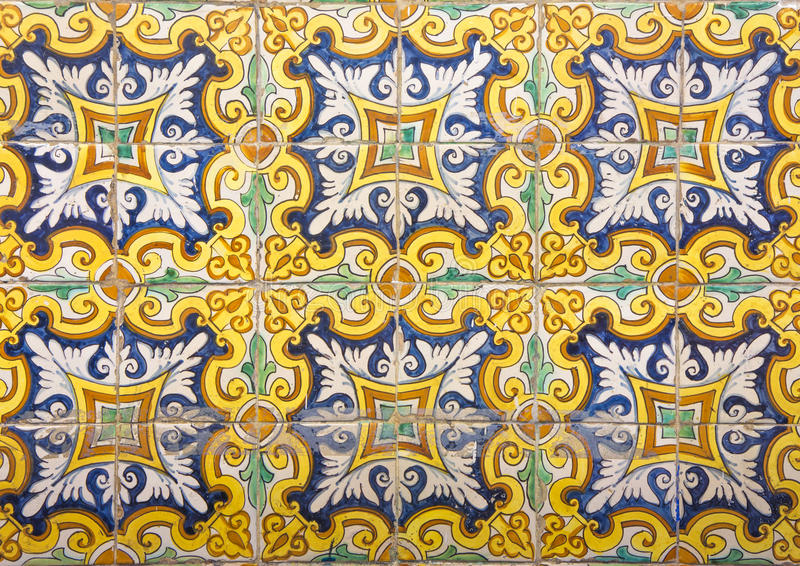 Mozaïek van kleurrijke keramische tegels met bloemenstijl royalty-vrije stock afbeelding