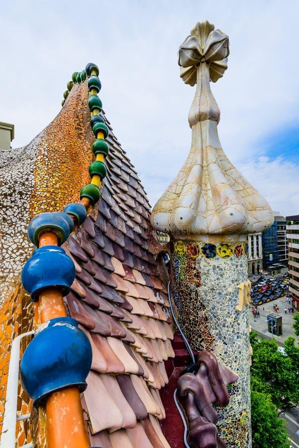 Mozaïekdetail op het dak, Casa Batllo stock afbeelding