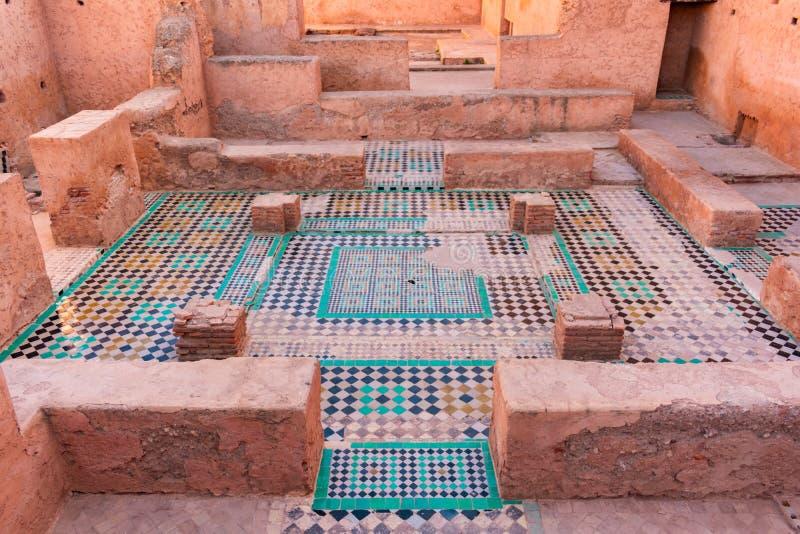 Mozaik płytki przy ruinami El Badi pałac w Marrakesh Maroko obraz royalty free