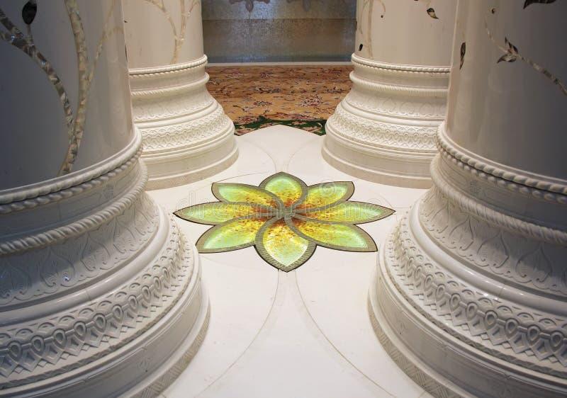 Mozaika wyszczególnia Zayed meczet wśrodku wnętrza dekoracja fotografia royalty free