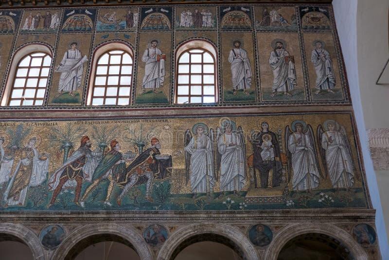 Mozaiki na prawej strony ?cianie nave bazylika Sant Apollinare Nuovo w Ravenna W?ochy obrazy royalty free