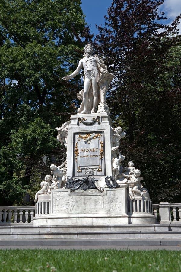 Mozart-Statue stockbilder