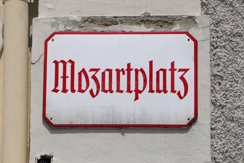 Mozartplatz Vierkant Teken in Salzburg, Oostenrijk stock afbeelding