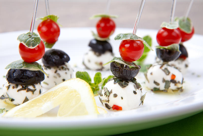 Mozzarella-Käse Canape stockfoto