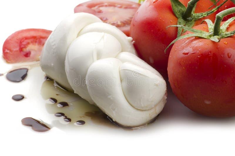 Mozzarella pomidory i świeża sałatka fotografia stock