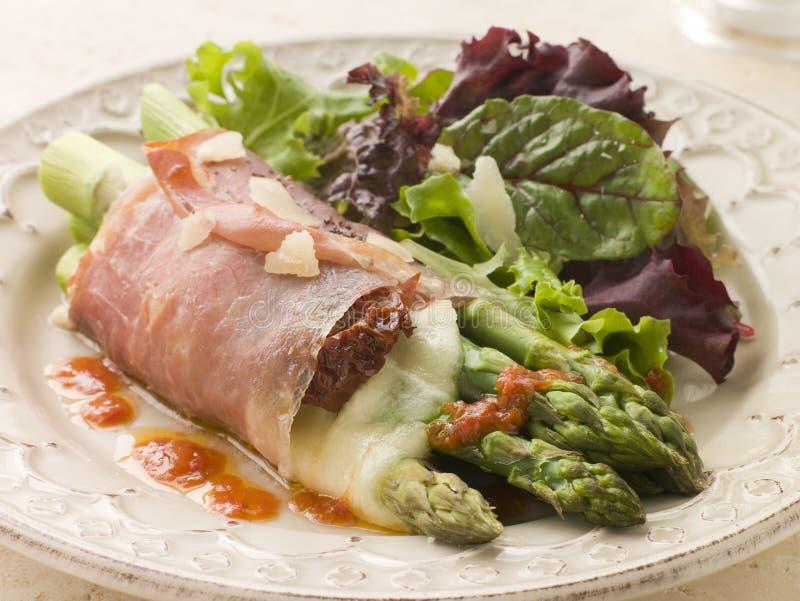 mozzarella serowa szparagowa upiec włócznie obrazy royalty free