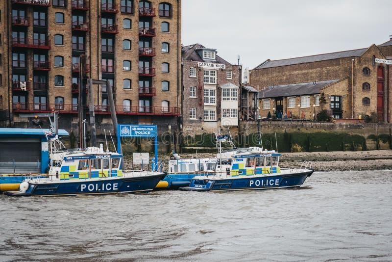 MPU metropolitano de Marine Policing Unit da polícia no rio Tamisa em Londres, Reino Unido foto de stock