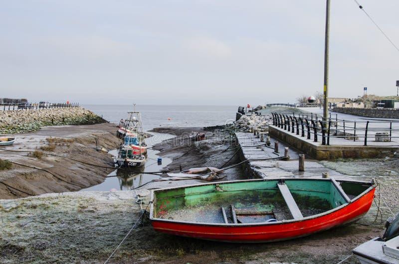 Mróz zakrywać łodzie rybackie zdjęcia royalty free