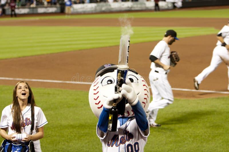 Download Mr. Mets Shooting T-Shirt Gun Editorial Photography - Image: 14497617