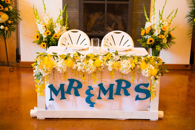 Ordinaire Download Mr And Mrs Bride And Groom Wedding Table Stock Image   Image Of  Event,