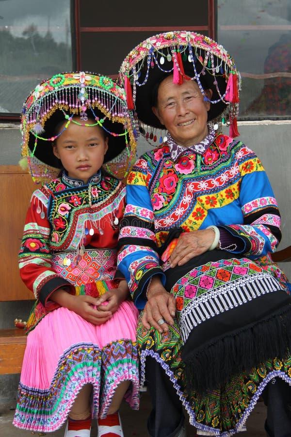 Mrandma och sondotter arkivbilder